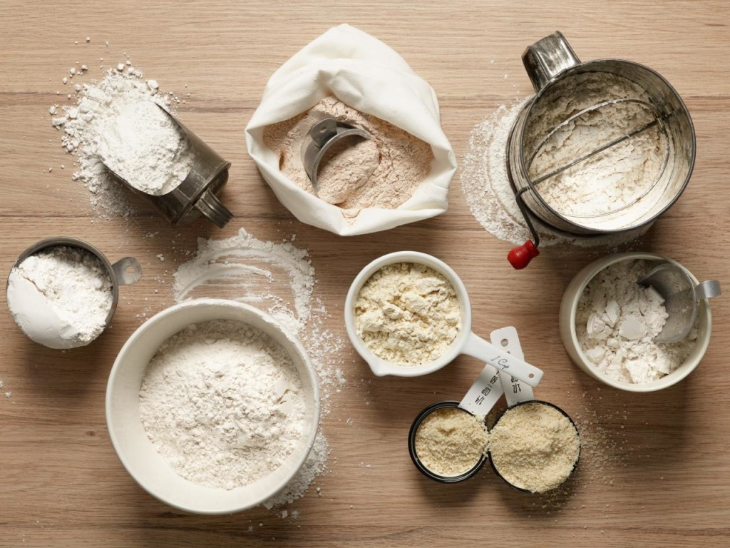 FN_baking-ingredient-guide-flours-01-stock_s4x3.jpg.rend.hgtvcom.1280.960